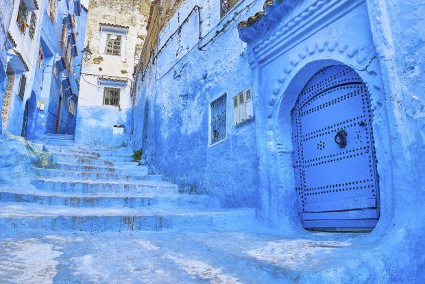 Chefchaouen – Une ville de montagne à l'intérieur des terres de Tanger, pleine de ruelles sinueuses blanchies à la chaux, de portes bleues et d'oliviers